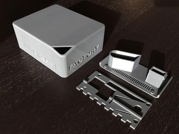 Boitier électronique fabriqué en plastique ABSplus, avec imprimante 3D Stratasys.