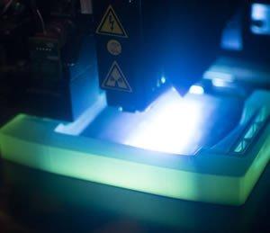 Lampe UV pour la réalisation de pièce par impression 3D PolyJet en matériau résine
