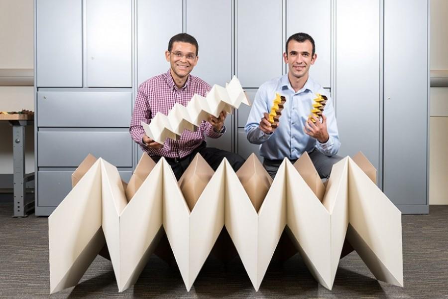 chercheurs du MIT et leur nouvelle imprimante 3D rapide