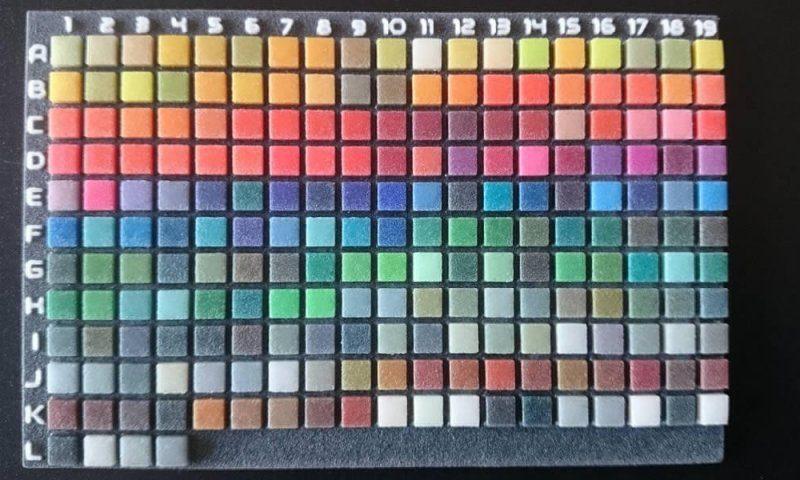 Carreaux de couleur représentant le catalogue couleur possible avec l'imprimante 3D 3Dsystems 4500.
