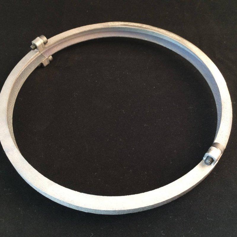 Collier de serrage réalisé en impression 3D métal titane.