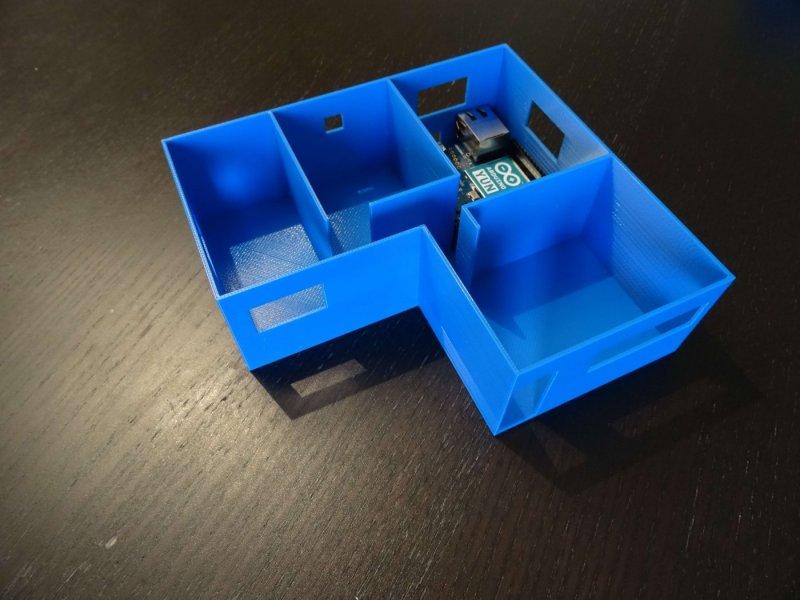 Maquette de maison fabriqué en plastique FDM avec un arduino à l'intérieur.